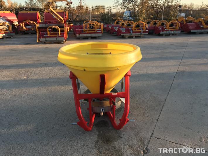 Техника за почистване Зимен Разпръсквач на сол и пясък - Agromehanika - AG 400 2 - Трактор БГ