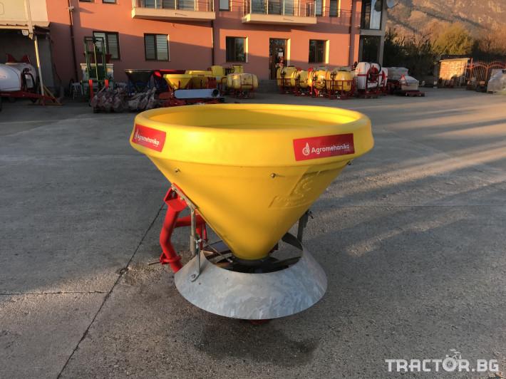 Техника за почистване Зимен Разпръсквач на сол и пясък - Agromehanika - AG 400 4 - Трактор БГ