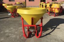 Навесна торачка 400/500 литра Агромеханика - Словения